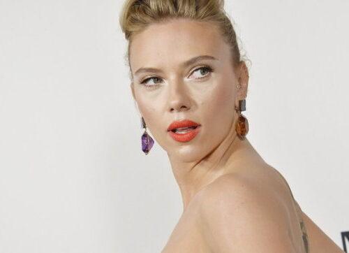 """Rivolta contro i Golden Globe, Scarlett Johansson: """"Organizzazione sessista"""""""