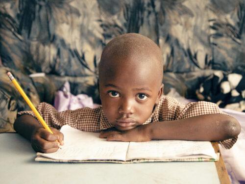 L'Hrw, l'organizzazione per i diritti umani, ci ricorda quanto sia importante il diritto all'istruzione per l'Africa