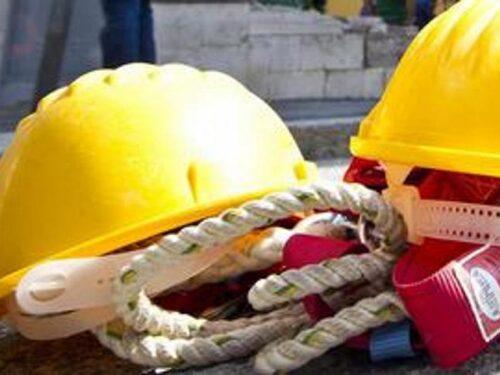 Bergamo, operaio cade dall'altezza di 8 metri e muore in una fonderia: aveva 36 anni