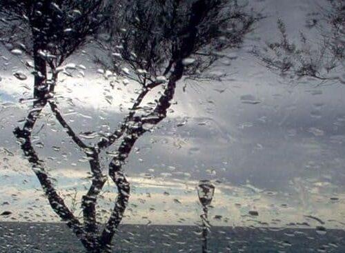 Previsioni meteo weekend 23-24 ottobre, maltempo a Centro e Sud: le regioni a rischio temporali
